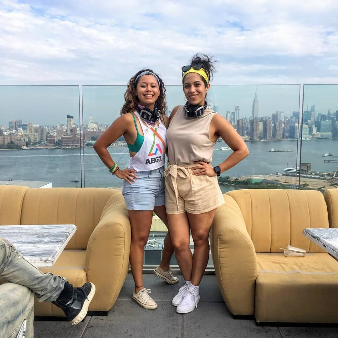 DayBreaker atop a Brooklyn hotel with my dear friend Jenn! 6am sober dance parties (that really start earlier than that with a fitness component) are phenomenal ways to start your day :)