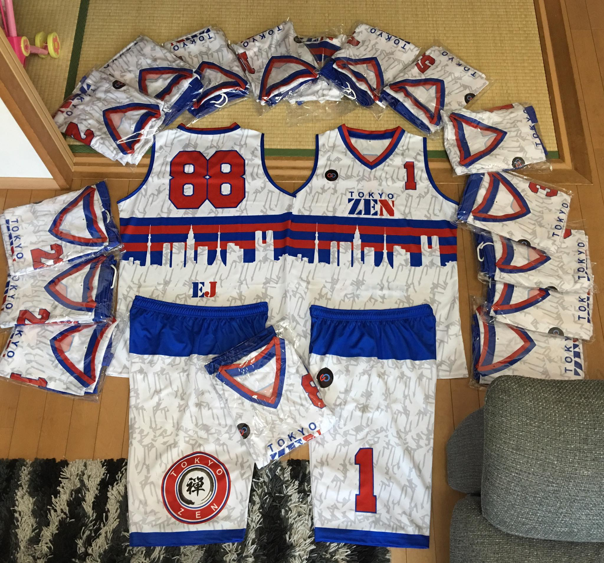 TOKYO ZEN white blue red Youth Basketball Uniforms jerseys and shorts
