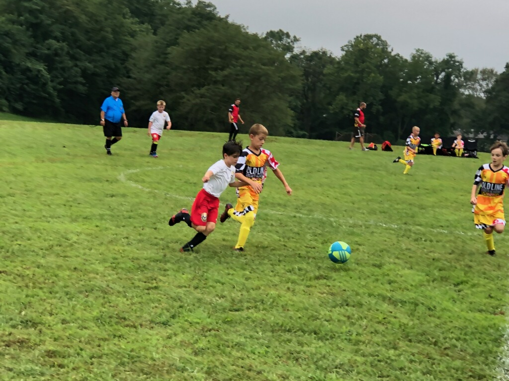 OLDLINE Red Black White Yellow Soccer Uniforms, Jerseys, and Shorts