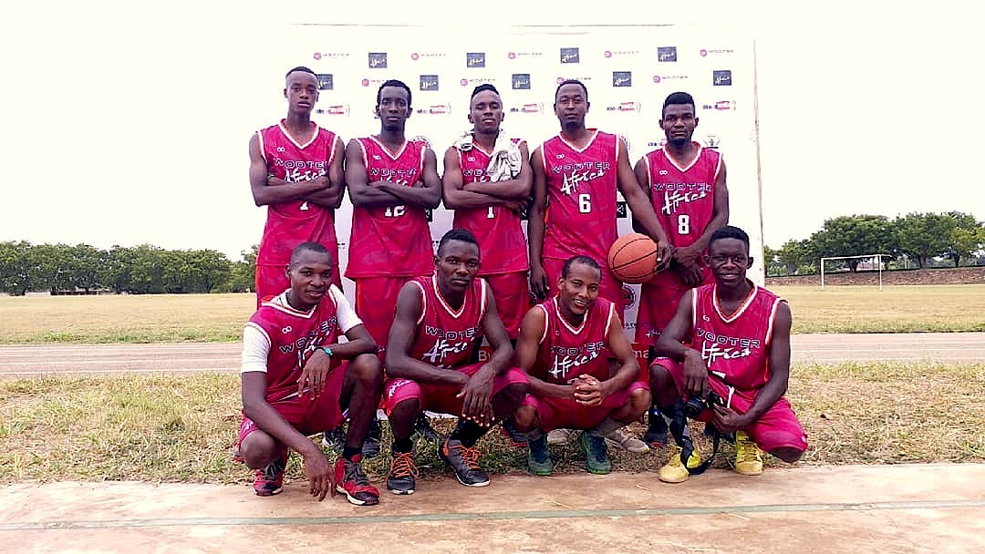 zbl basketball team red.jpg
