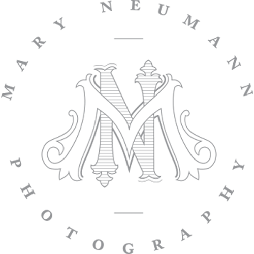 mary-neumann-photography-logo.png