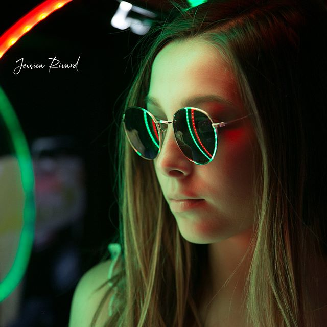 I am in love with all of the photos from the Arcade shoot I did with my senior model team! Daniela did amazing! I had a hard time picking my favorites. 😍😍