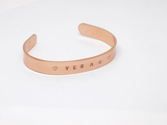 2. Vegan Jewelry - Handmade jewelry for those who love creative but also sustainable accessories.