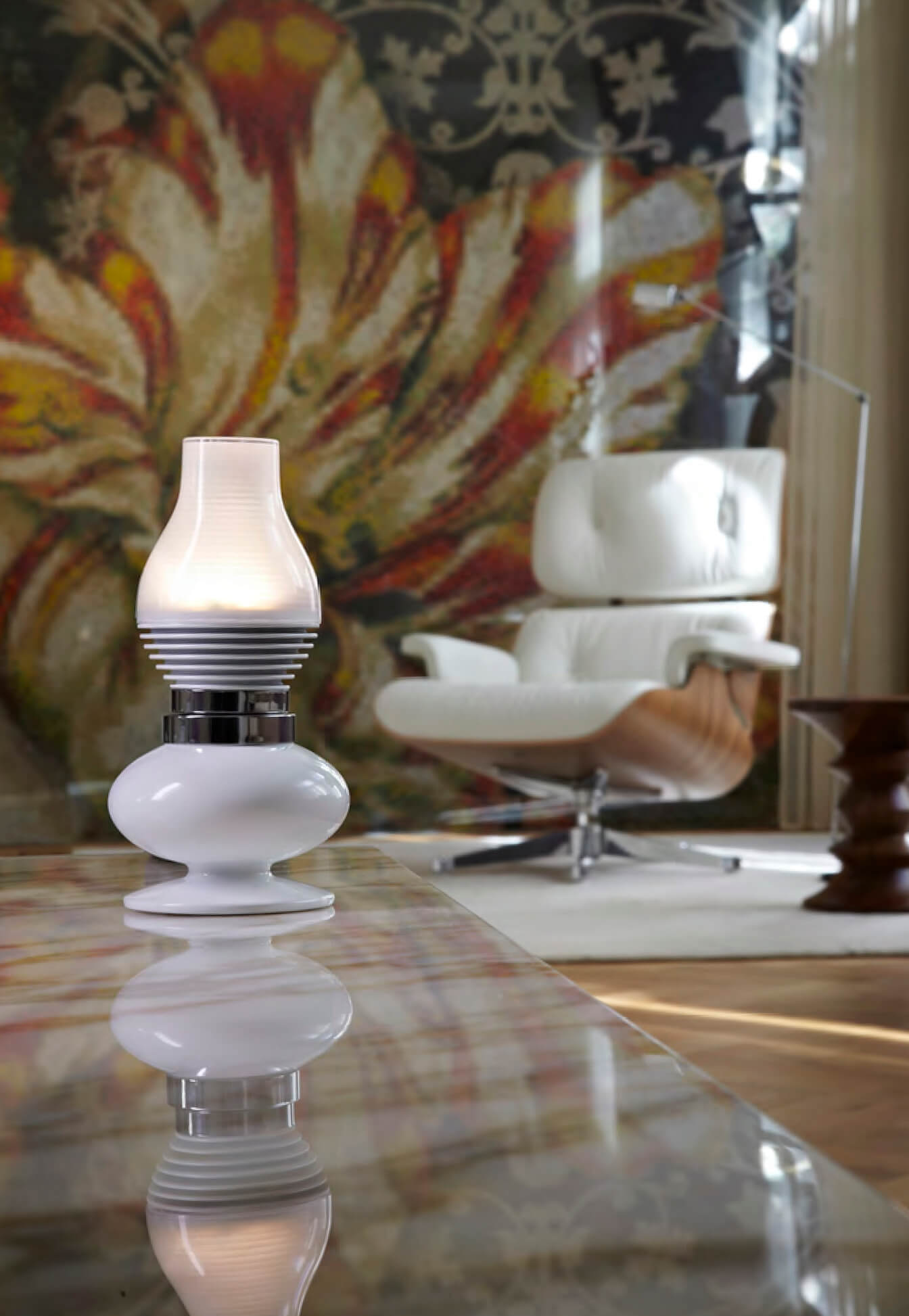 Alessilux-Paraffina-LED-light-bulb-silver-lounge chair.jpg