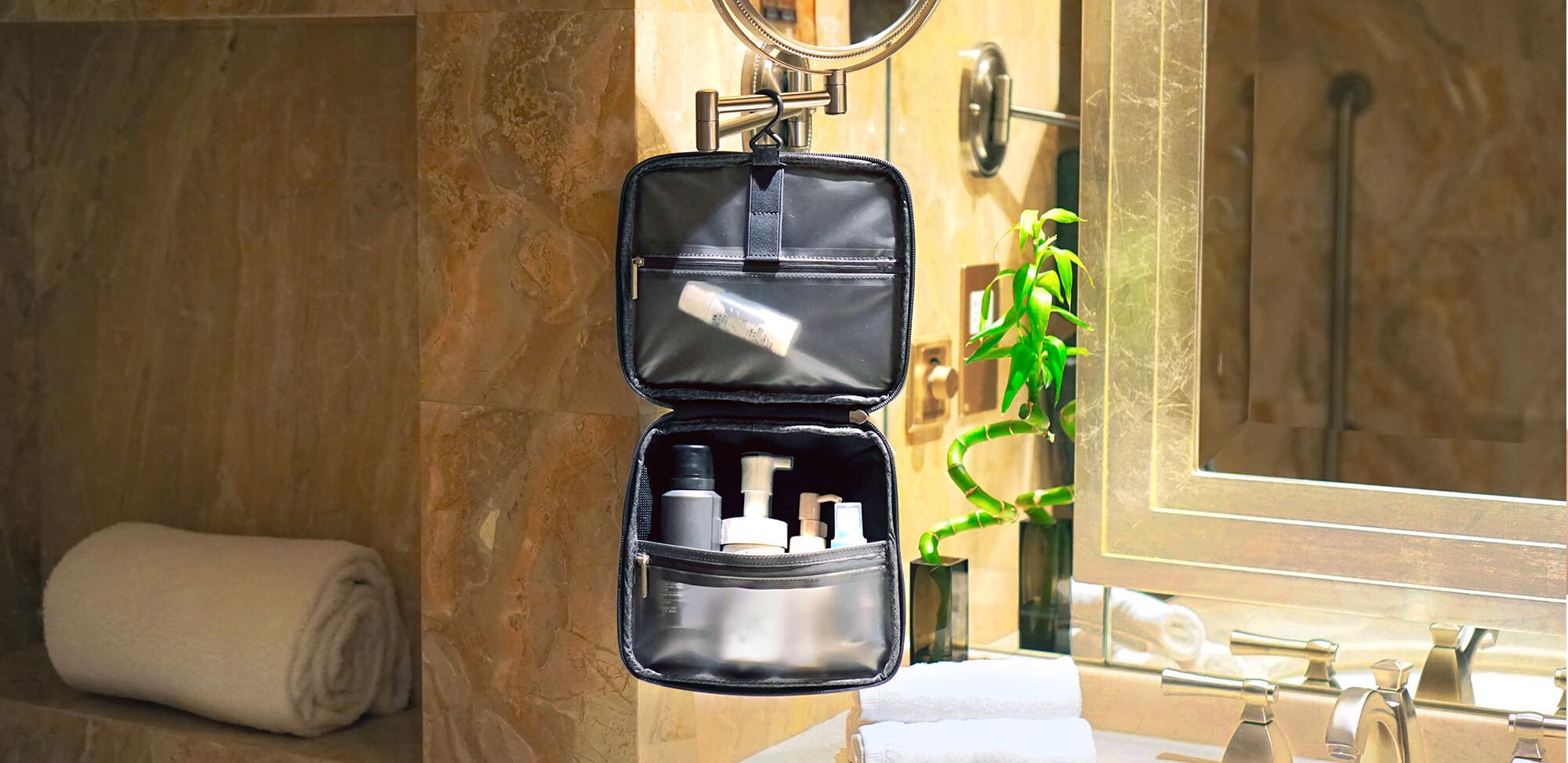 Rollogo-Escape-smart-luggage-mobile-office-Toiletry-case.jpg