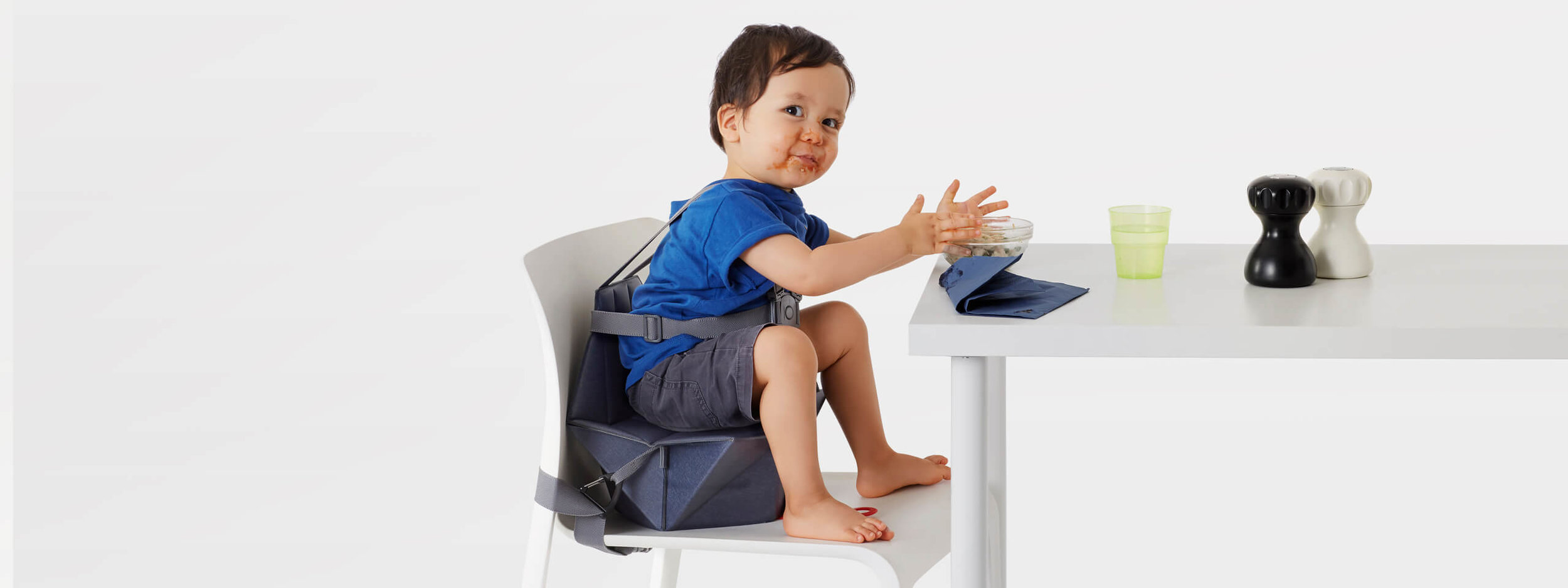 Bombol-Pop-Up-foldable-booster-seat-messy-eating-kid.jpg