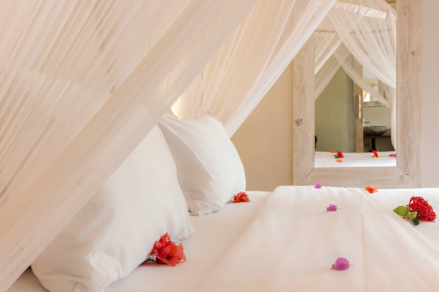 Romantic bedroom - Gili Meno - Avia villa resort