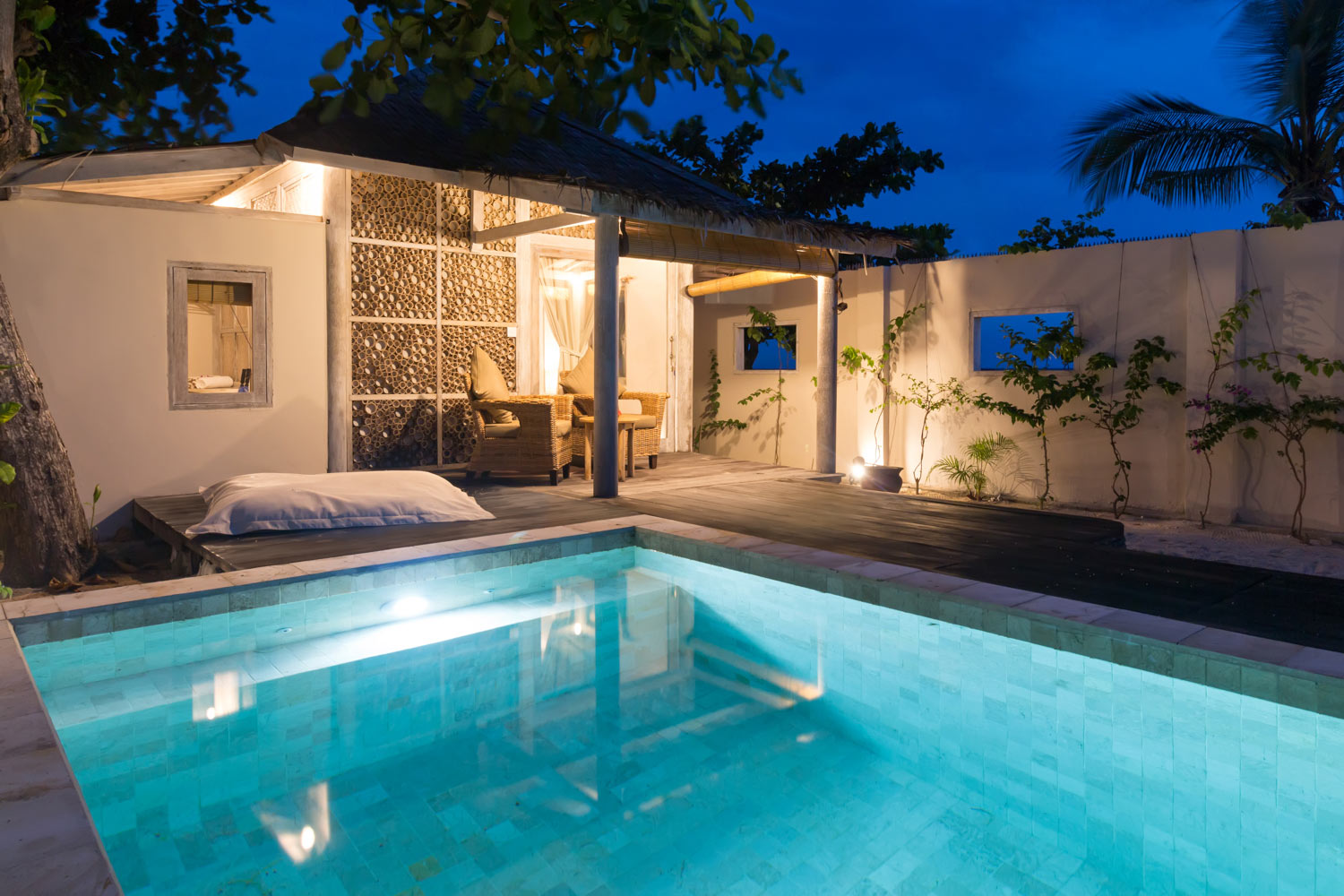 Bungalow by night - Avia Villa Resort - Gili Meno
