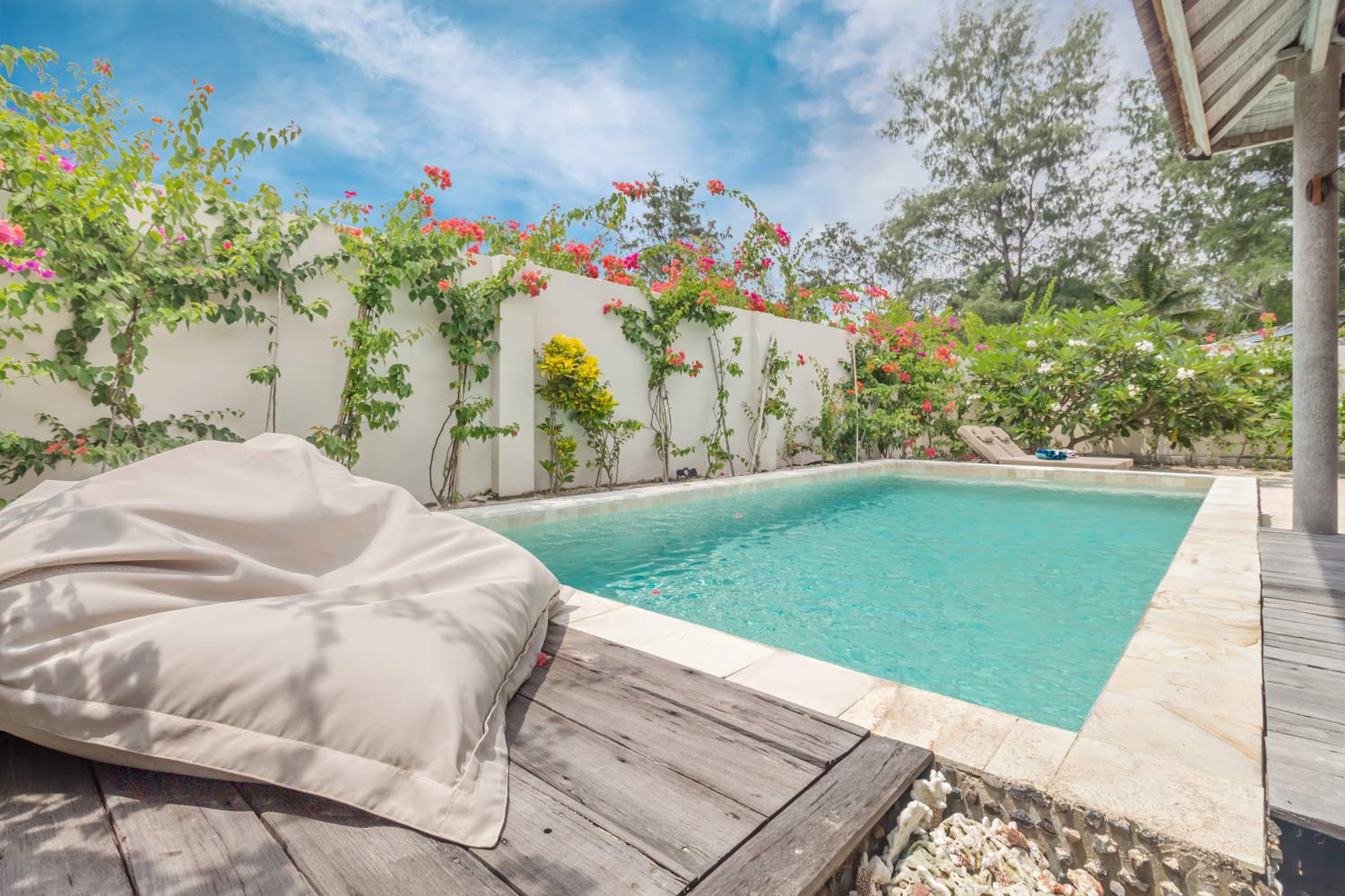 2 bedrooms  private pool and garden - Avia Villa Resort Gili Meno