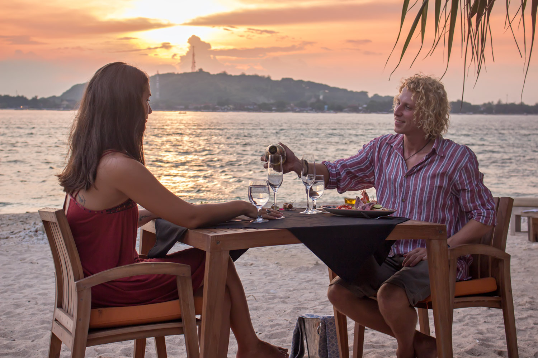 Romantic-dinner-Avia-Villa.jpg
