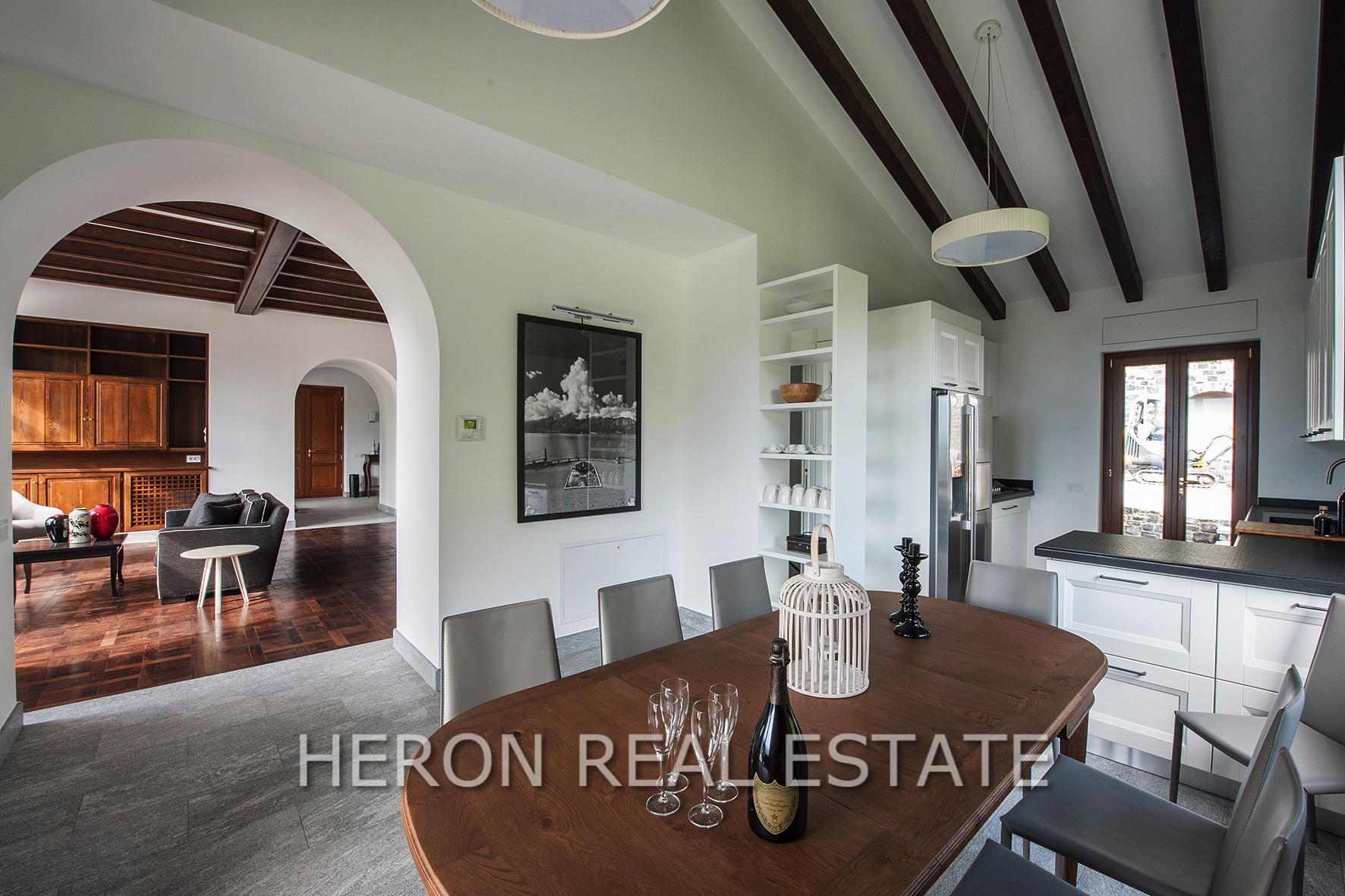 Villa mit Seeblick zum Verkauf