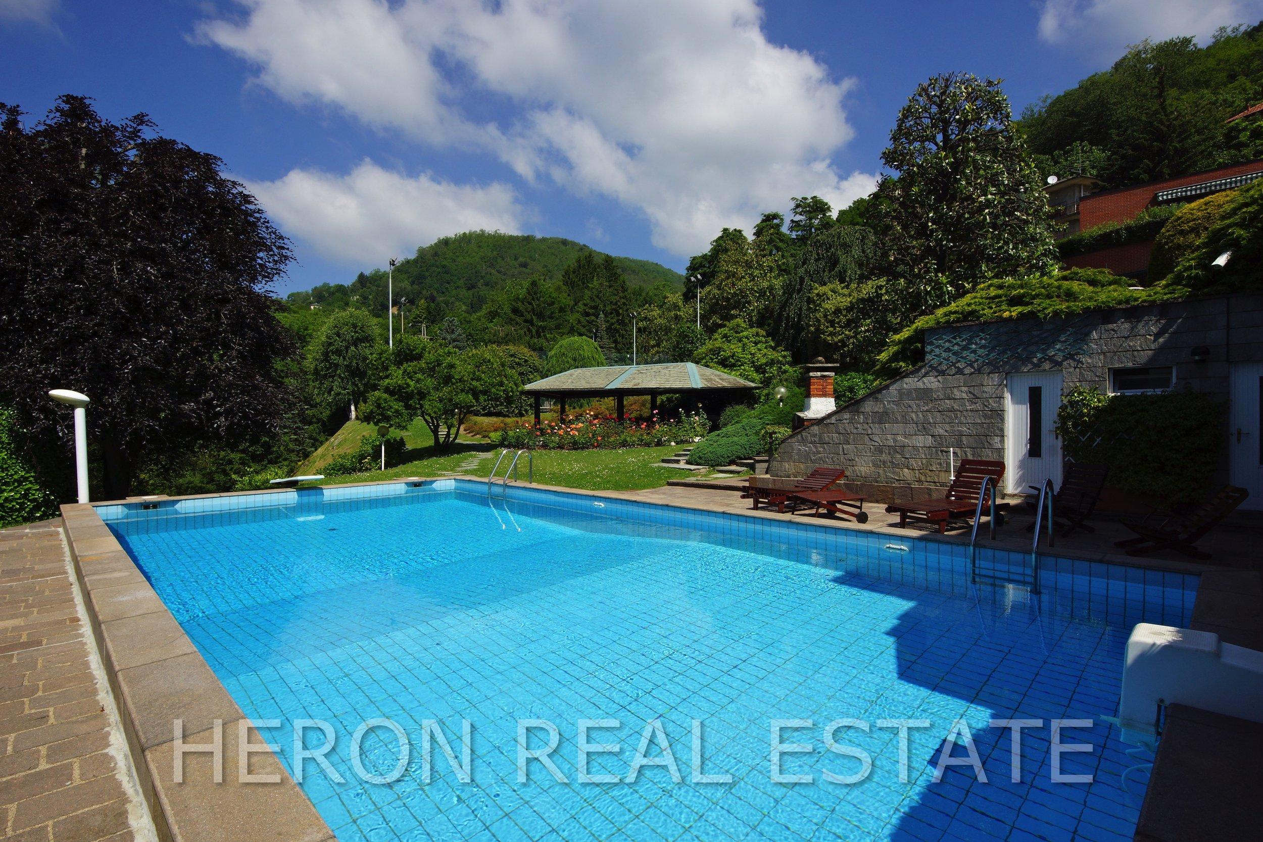 1 villa with pool como.jpg