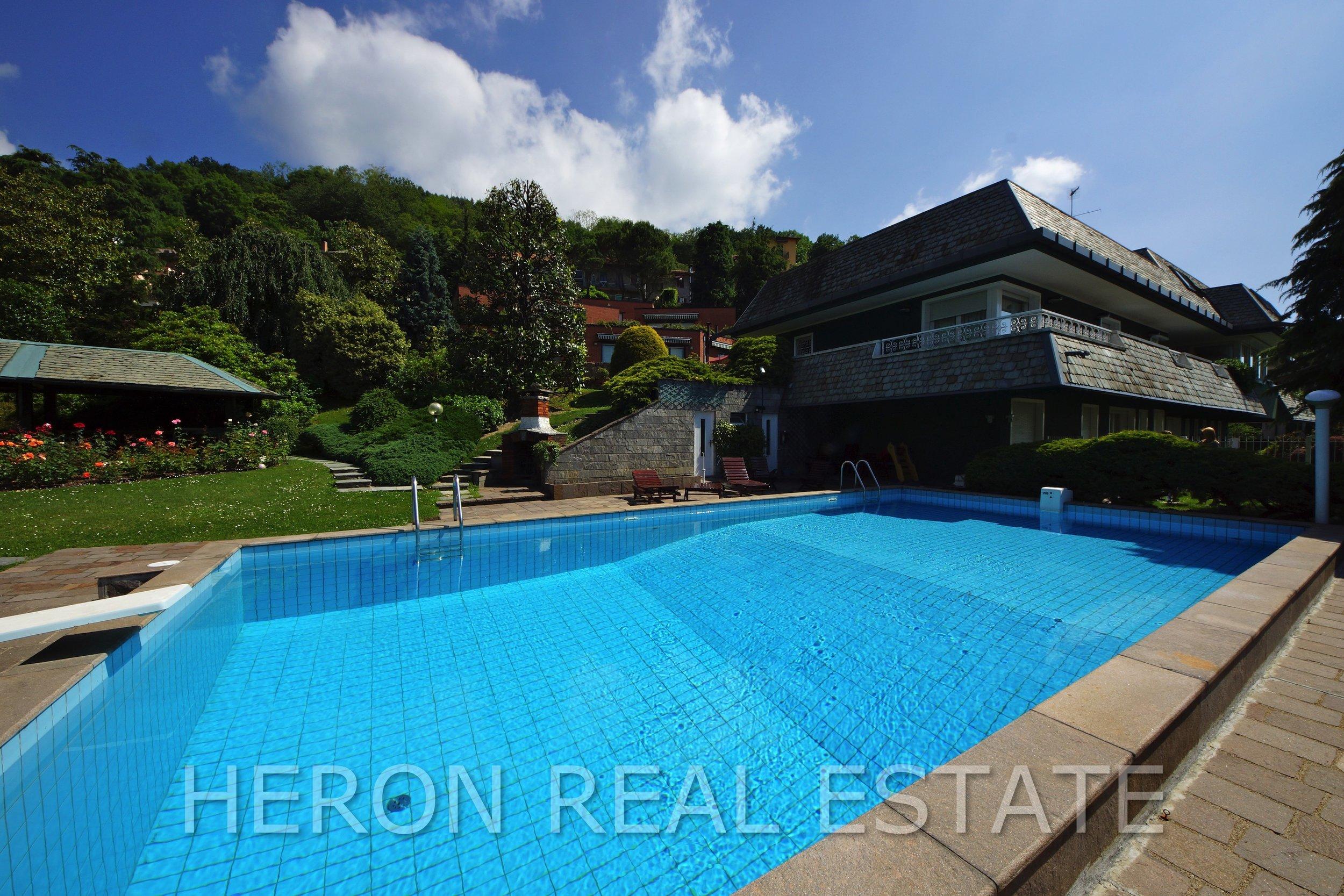 31 villa for sale como.jpg