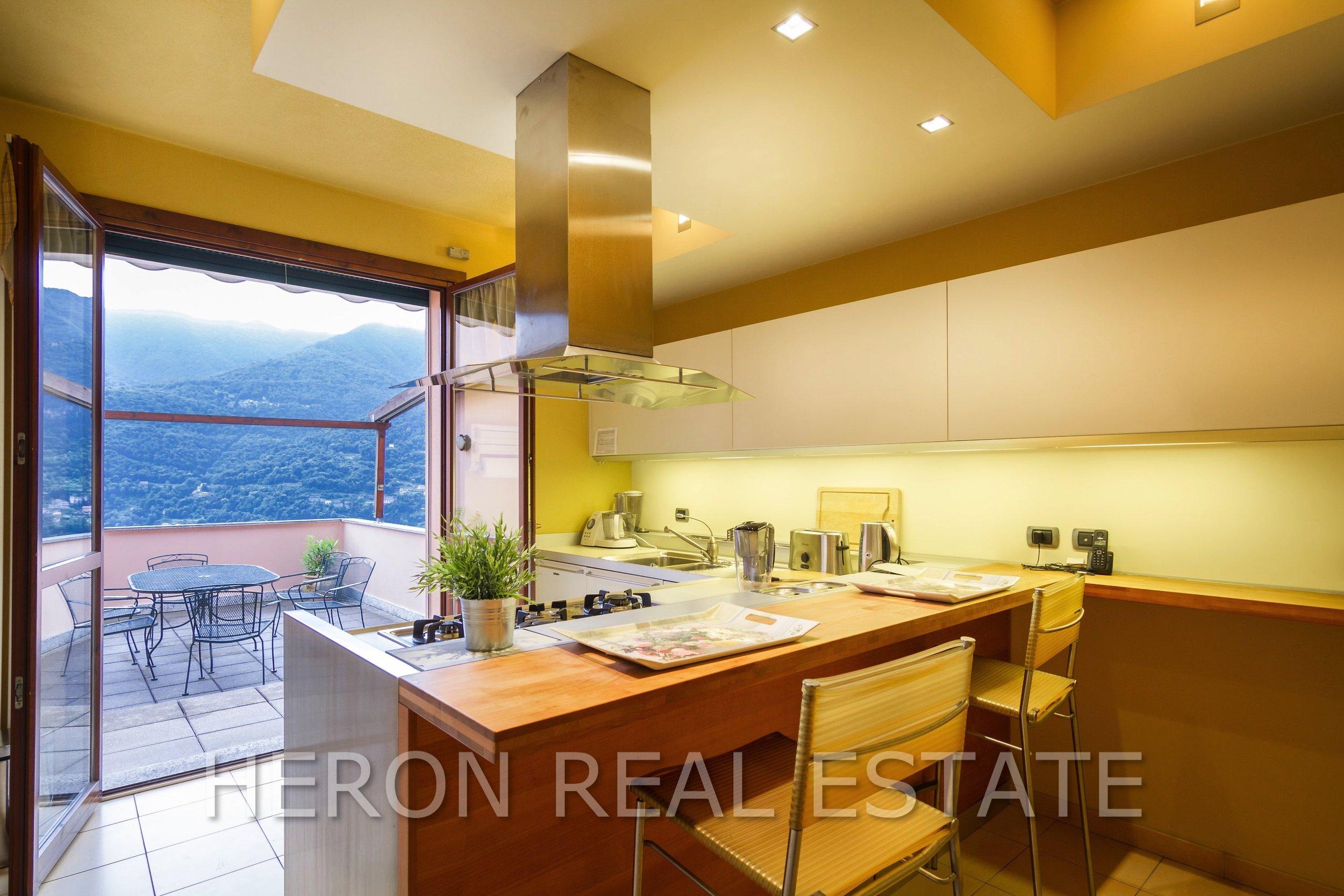 7 Carate Urio kitchen.jpg