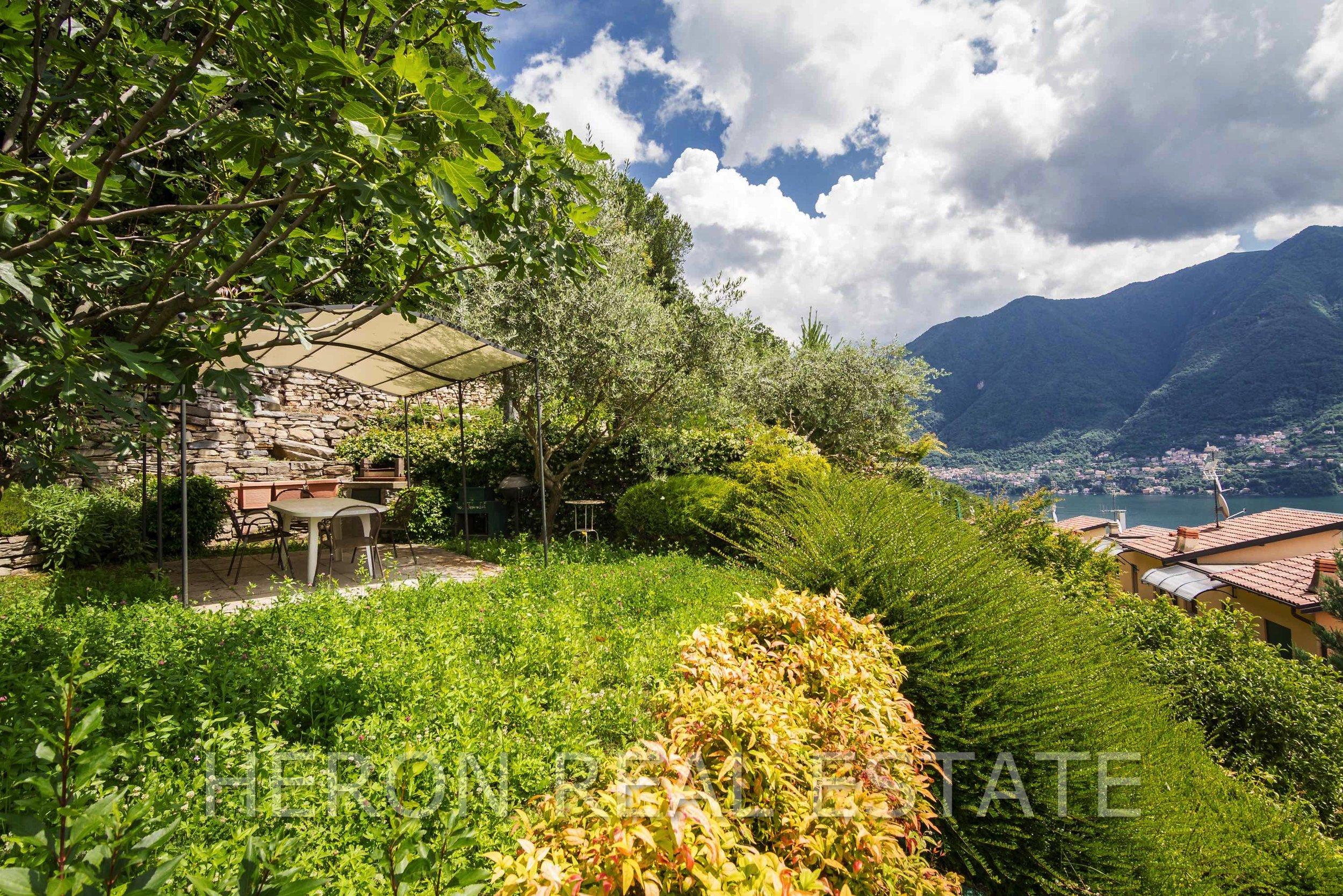 13 Carate Urio Top terrace.jpg