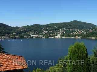 Lake view towards Villa Olmo.jpg