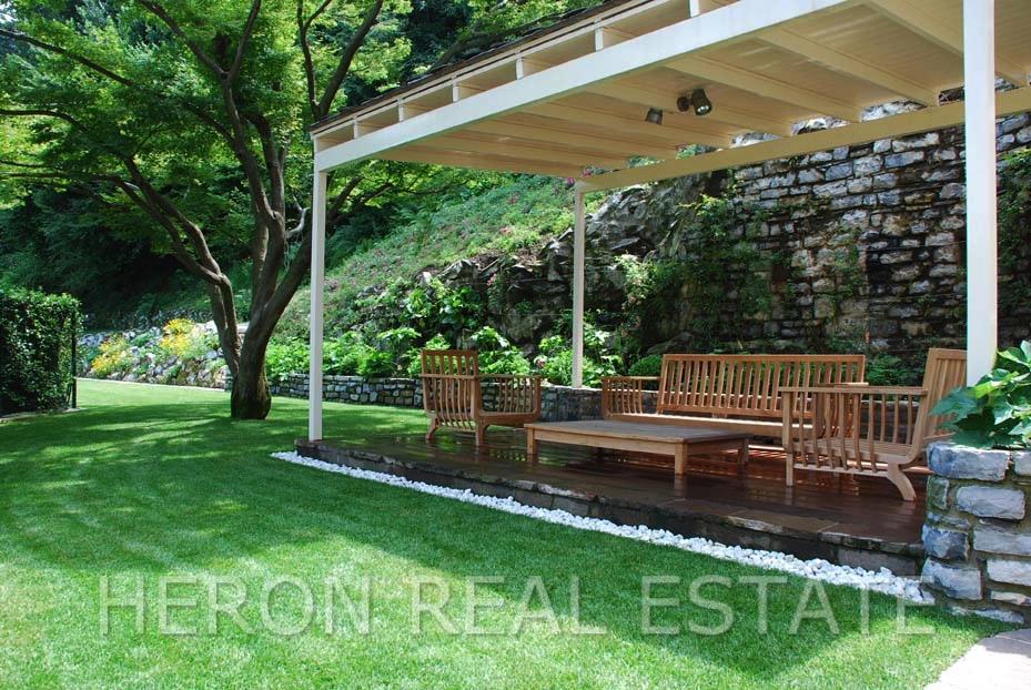 12 covered terrace.jpg