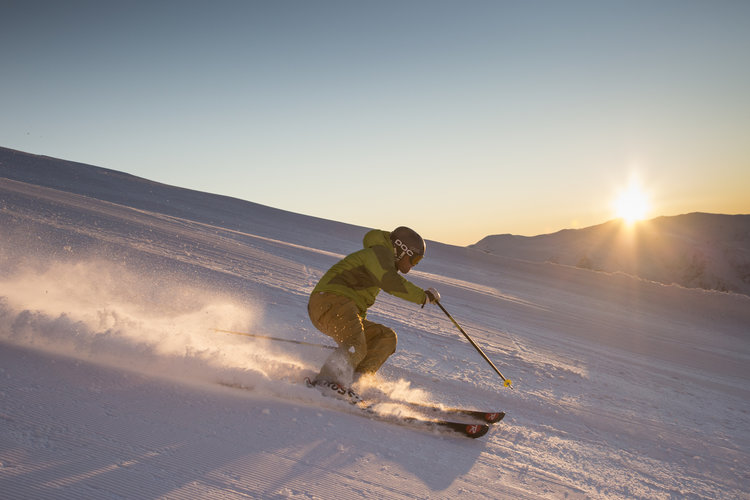 First Tracks at Coronet Peak - escaping the queues and crowds.jpg