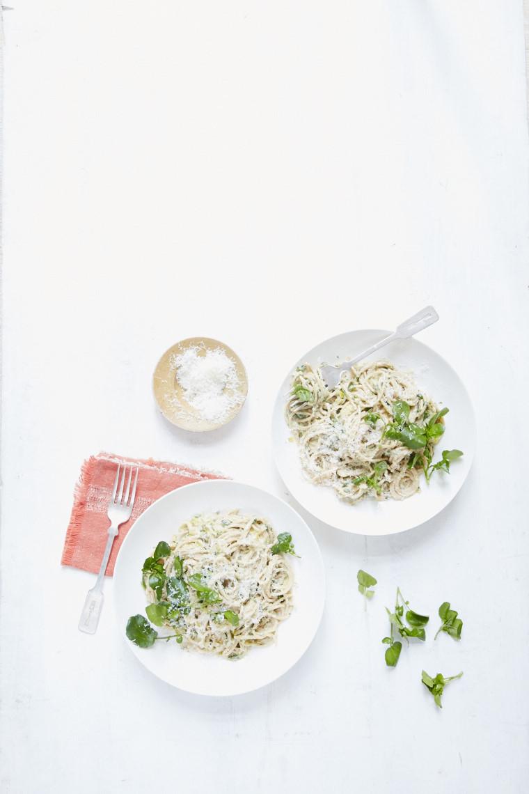 Creamy leek and watercress spaghetti