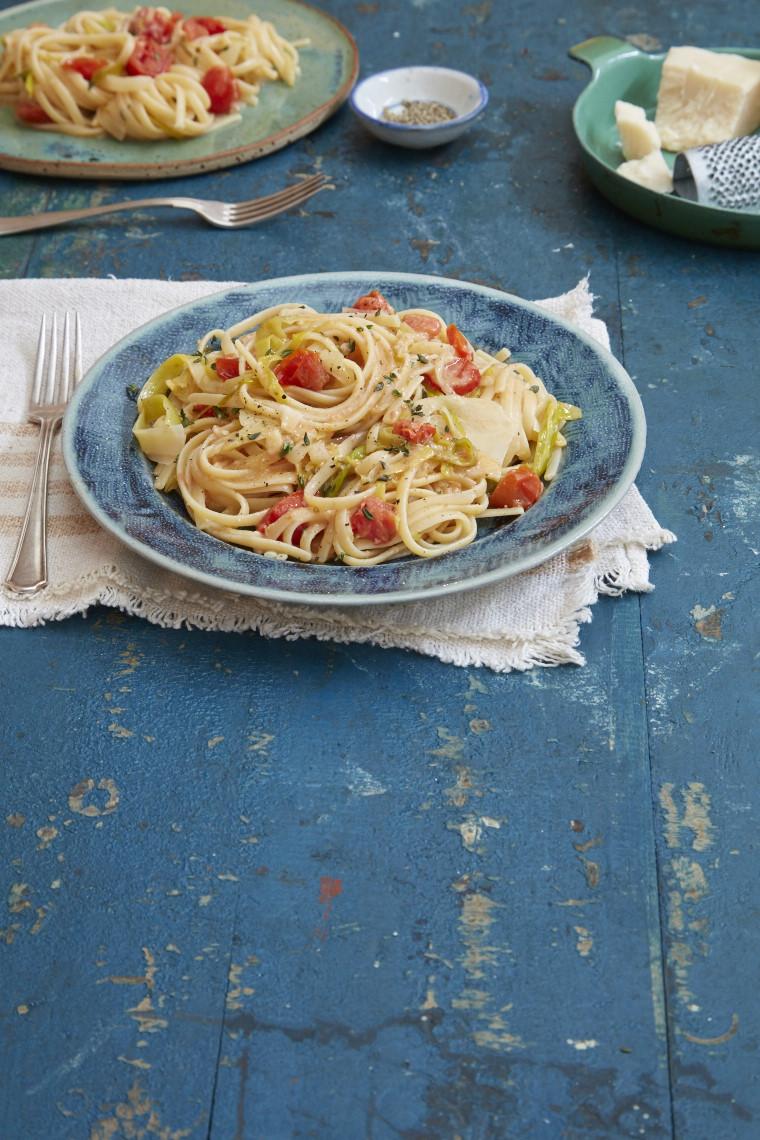 Plum tomato, fennel and lemon linguine