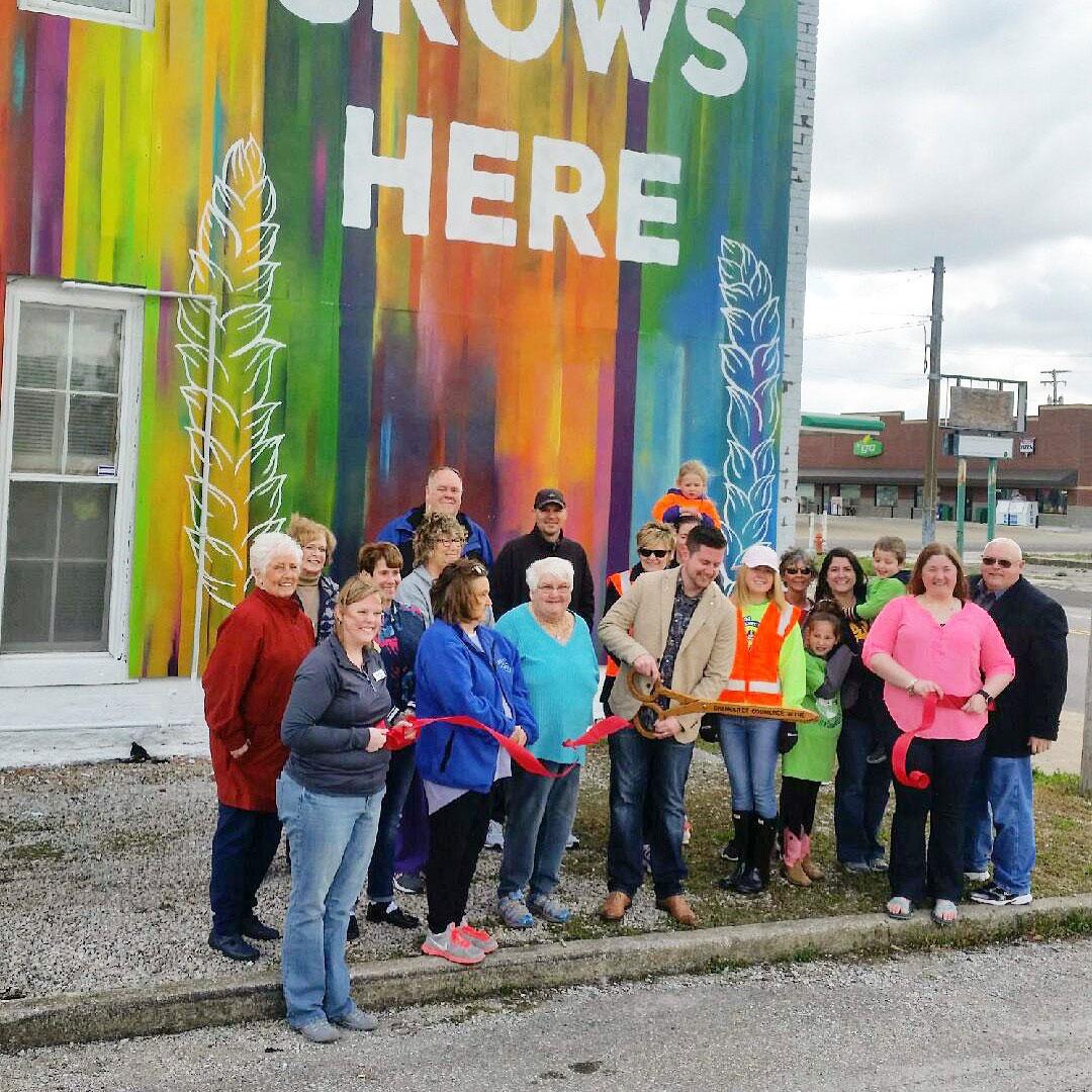 Zane-Statz_Love-Grows-Here_Greensburg-Mural_06.jpg