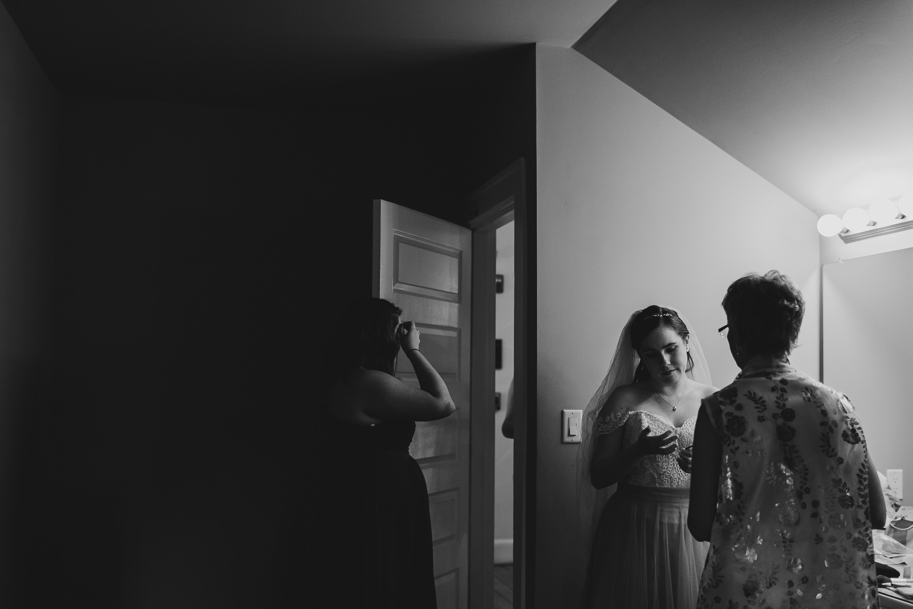 Hampton Roads Creative Wedding Photographer-5.jpg