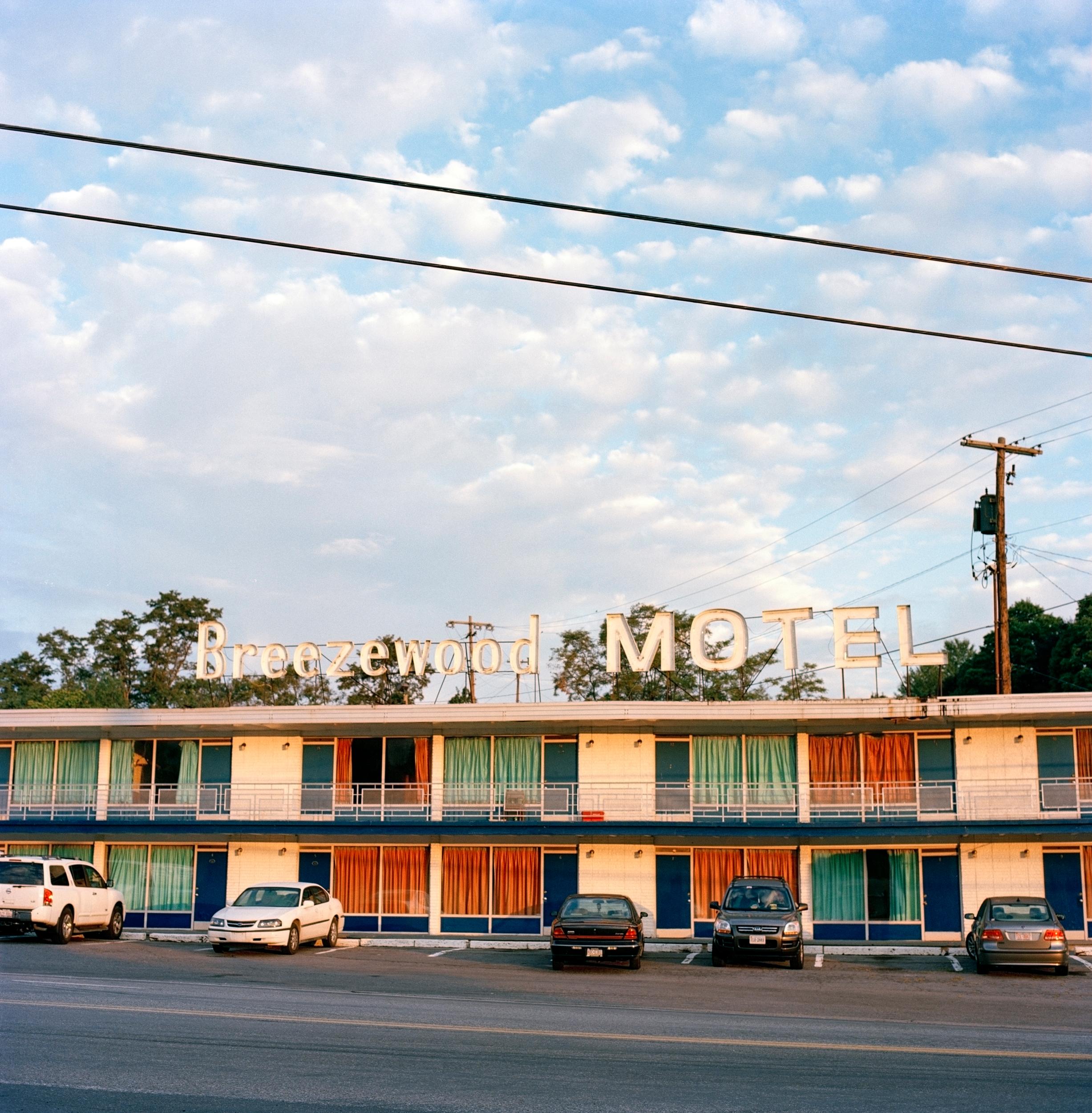 Breezewood-Motel-Sunrise.jpg
