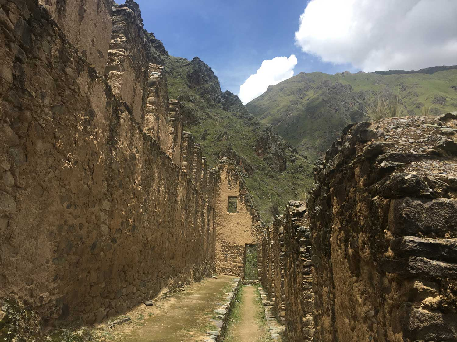 Ollantaytambo-Mountain-View-From-Ruin_Option-1.jpg
