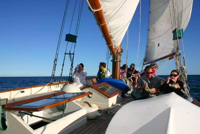 unbounded adventures_schooner tyrone 9.png