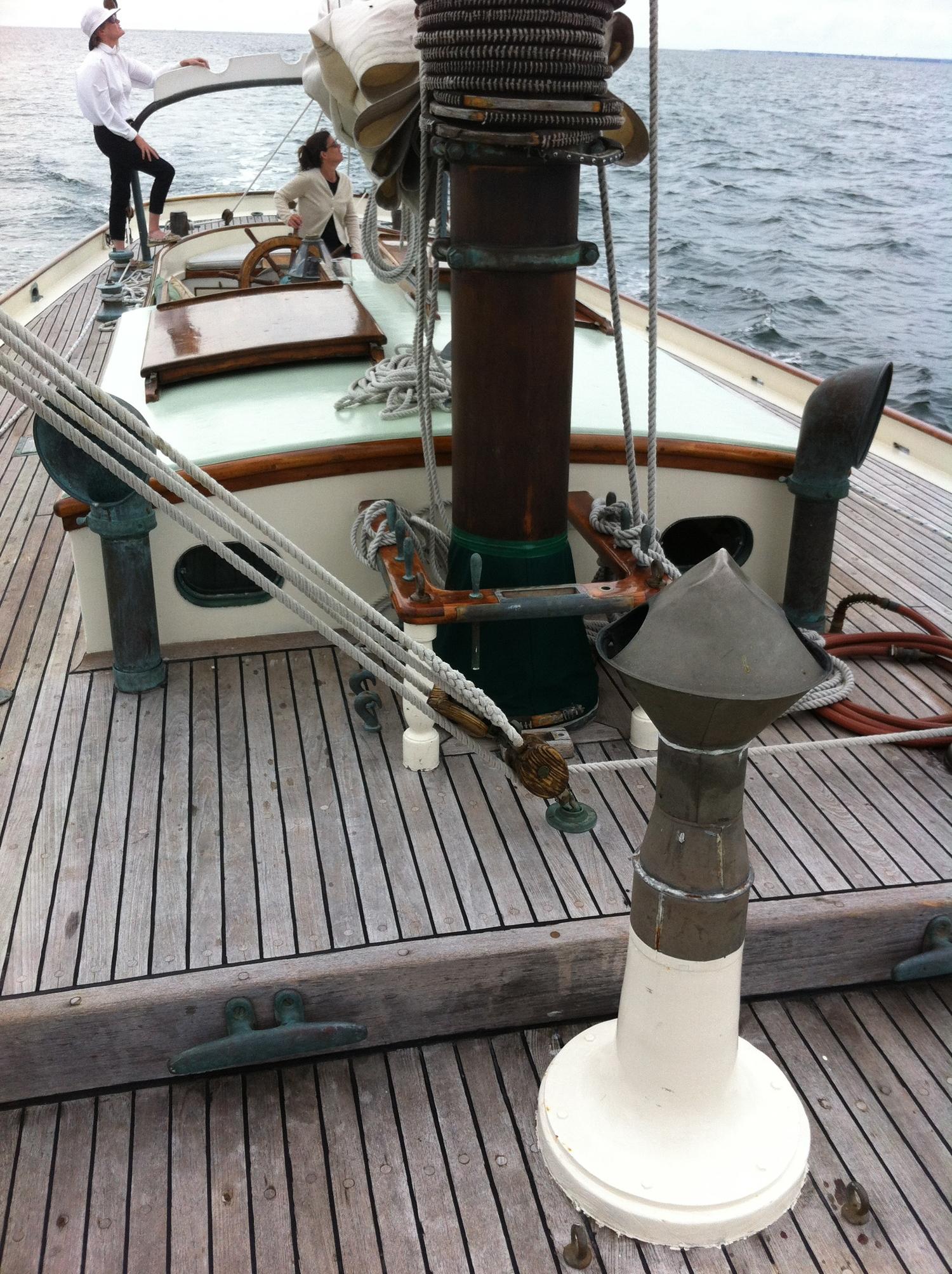 unbounded-adventures_schooner-tyrone-deck.jpg