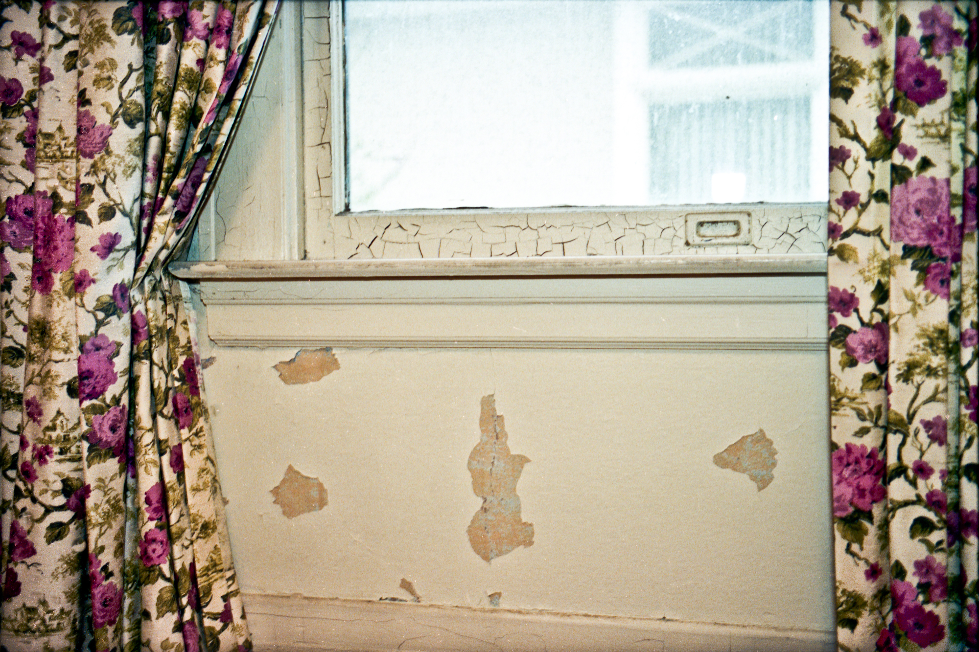 Curtains, West Adams LA 2006 - Kate Sterlin
