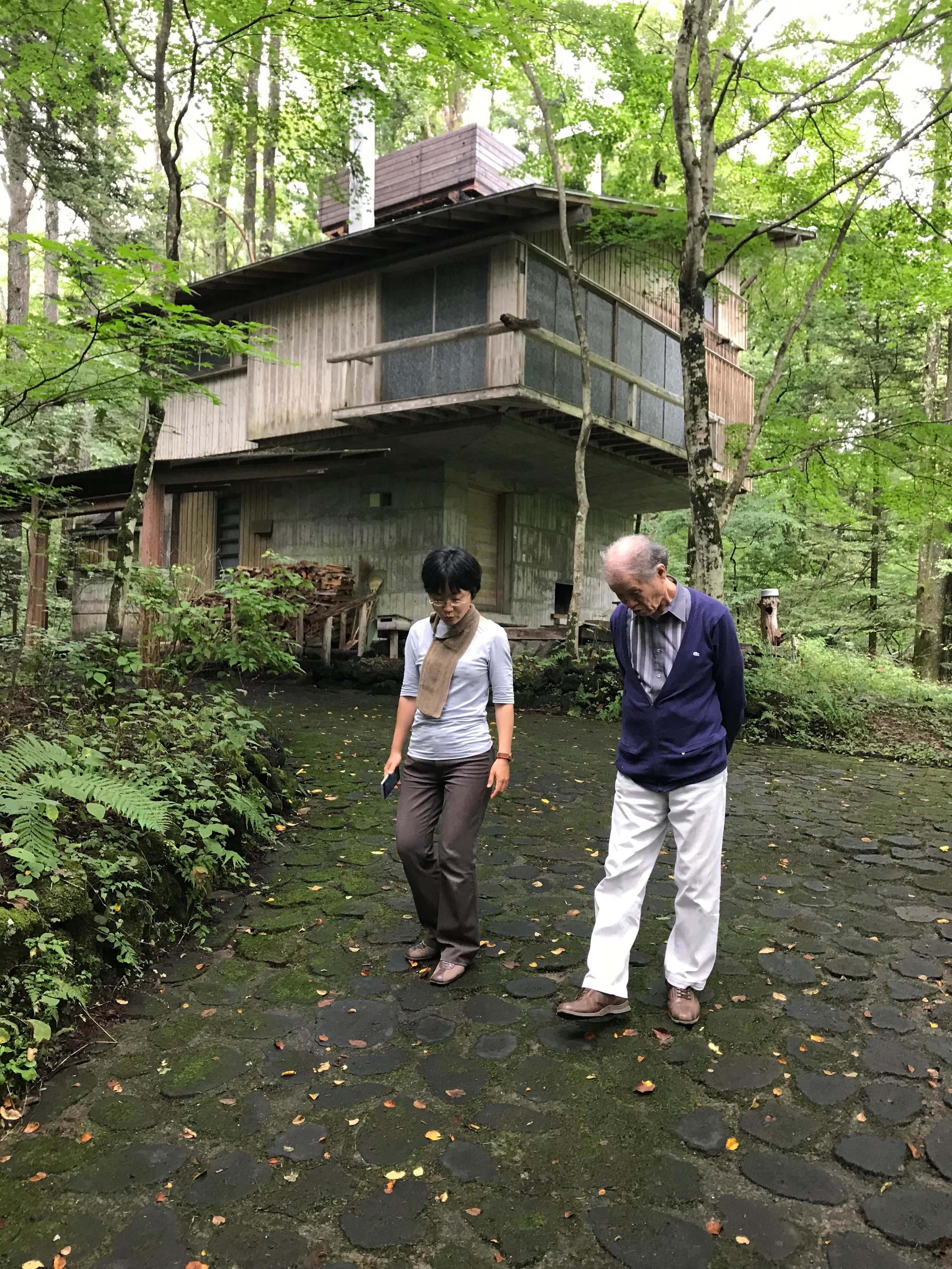"Maki Utsunomiya and Mr. Kitazawa in Karuizawa at Yoshimura Sanso, the summer house of Raymond protégé Junzo Yoshimura. Maki gleefully pointed out, ""every architecture student in Japan is required to draw and build a model of it!"""