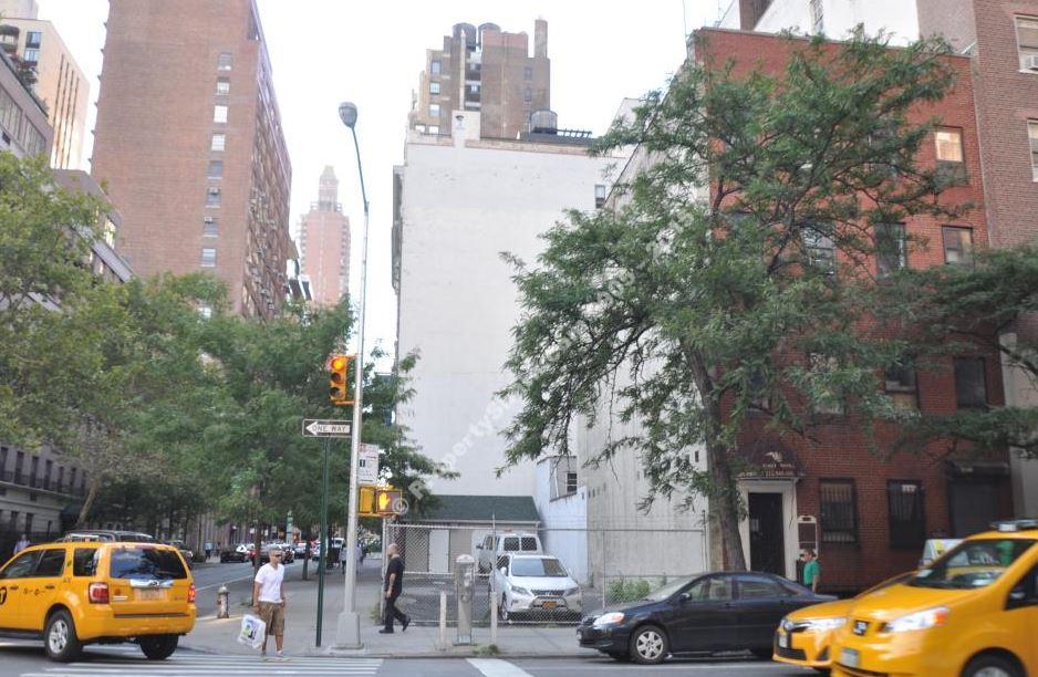 140 LEXINGTON AVENUE, NY    $9,190,000    Corner Development site in Kips Bay