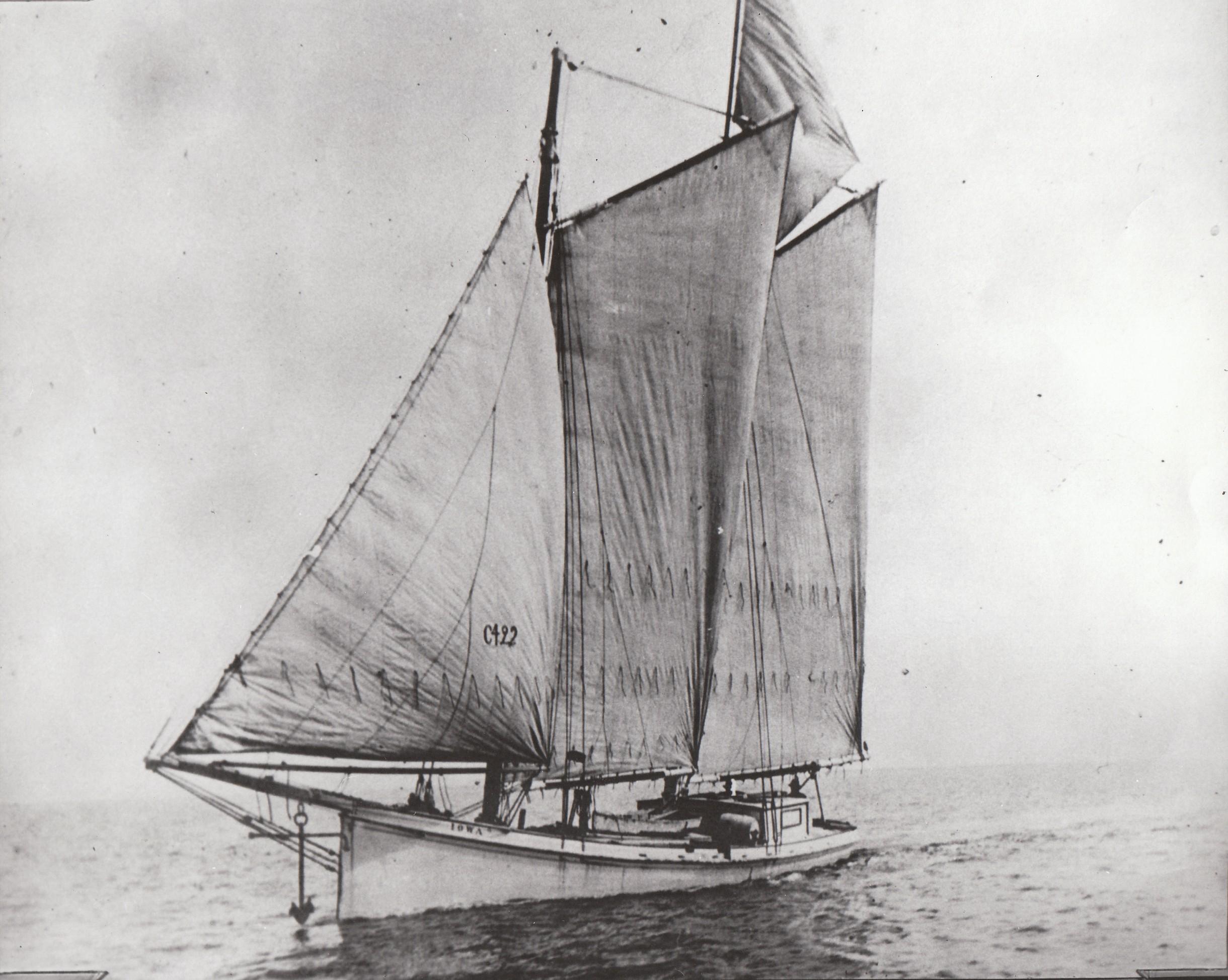 Sharpie Schooner Iowa Sister vessel to missouri