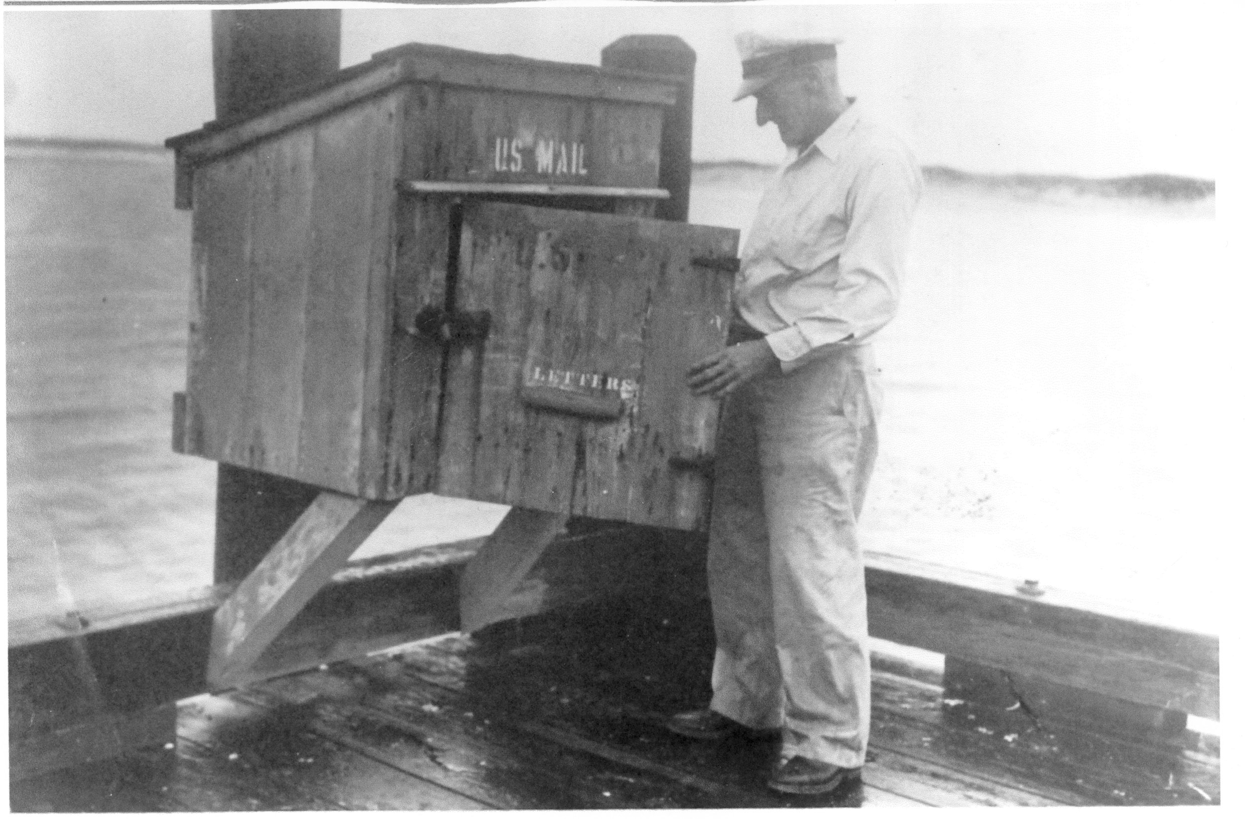 Mailboat Dock Pickup