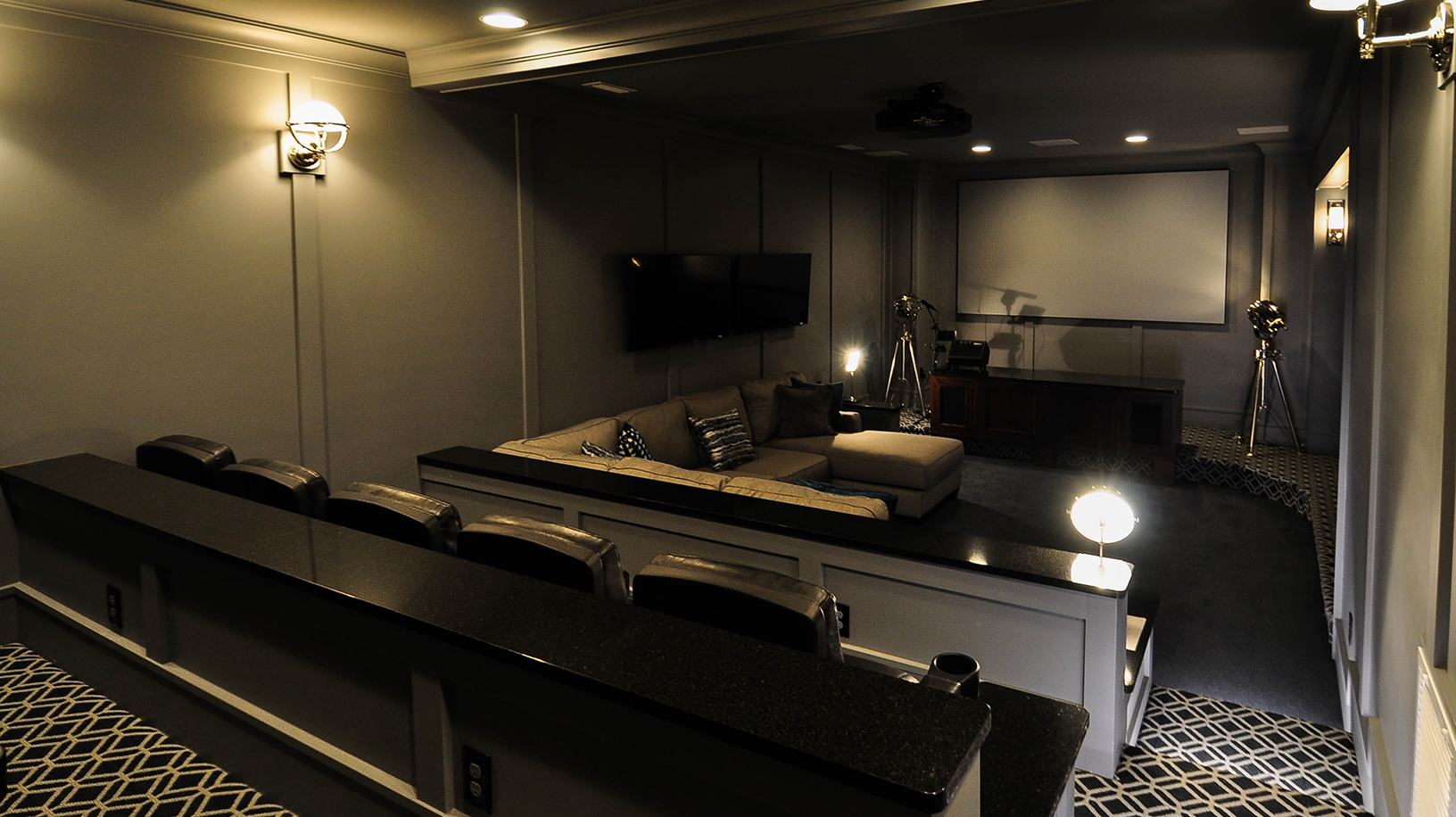 ER011-theatre4.jpg