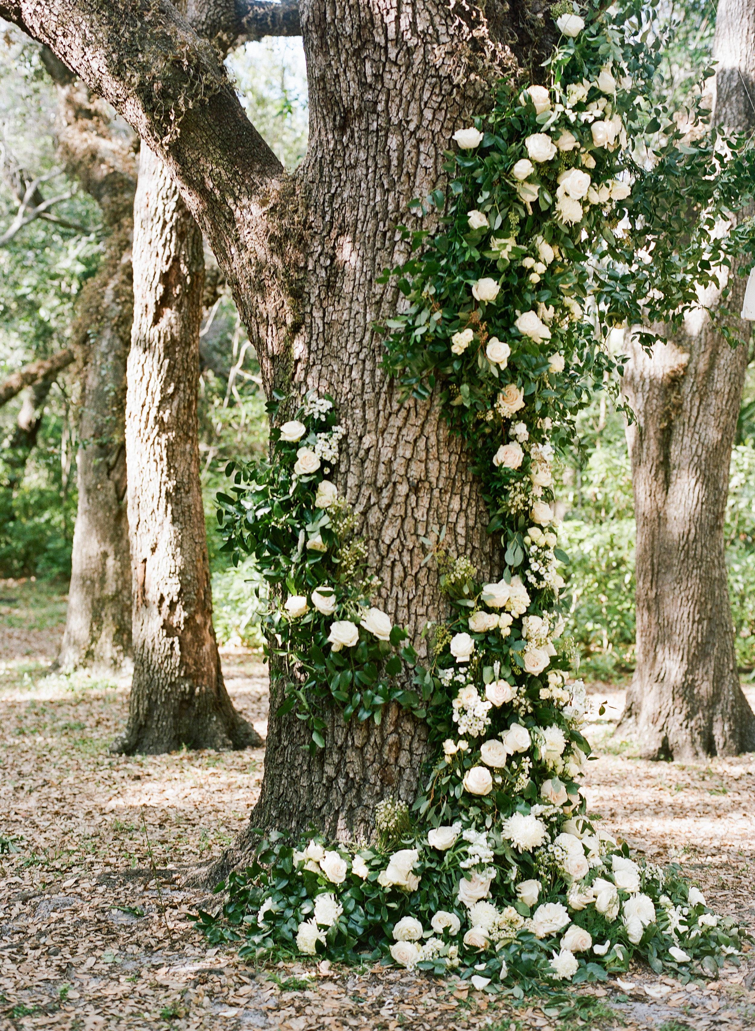 25-cascading-flowers-tree-trunk.jpg
