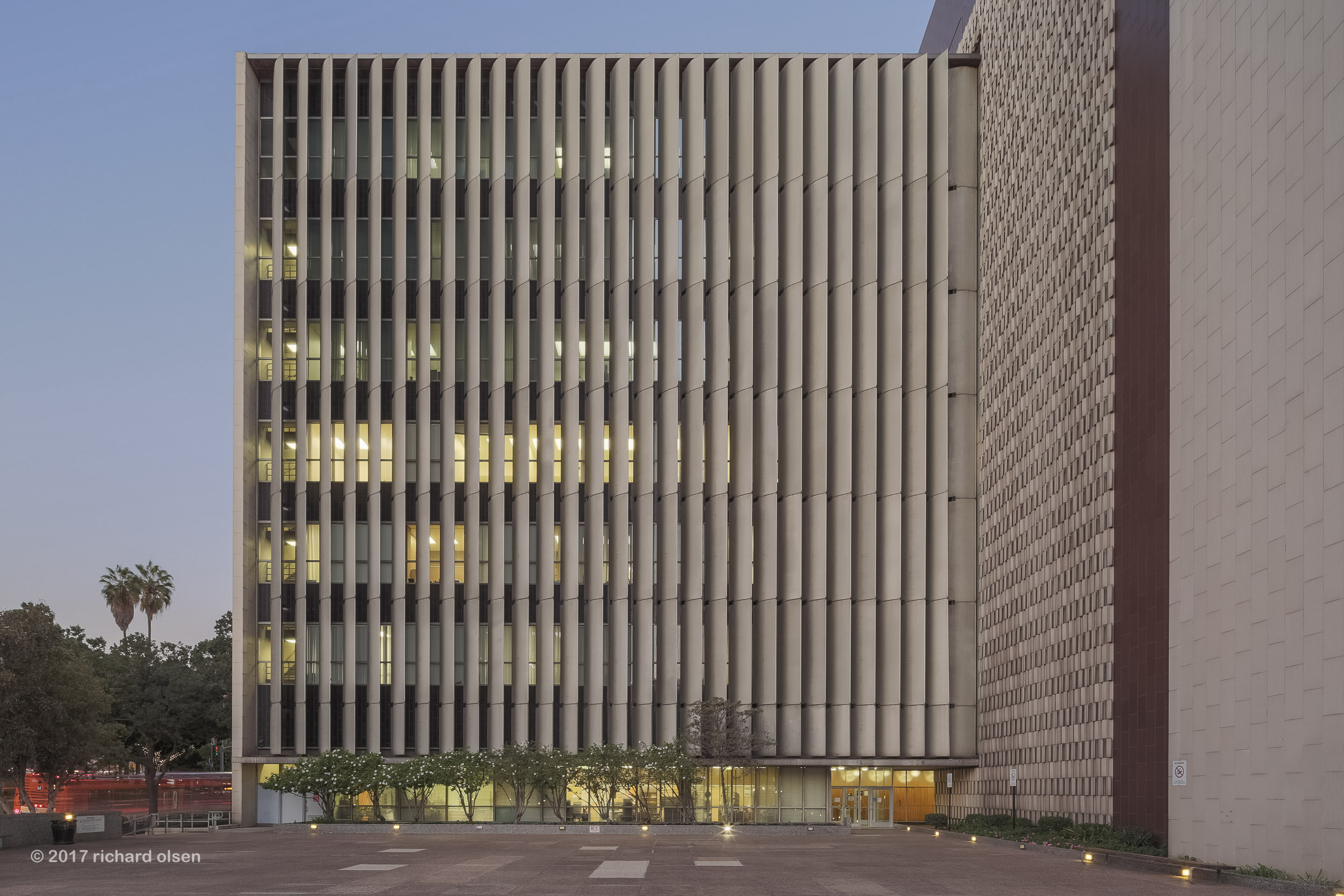 los angeles county hall of records, 1962. neutra & alexander, architects. los angeles.