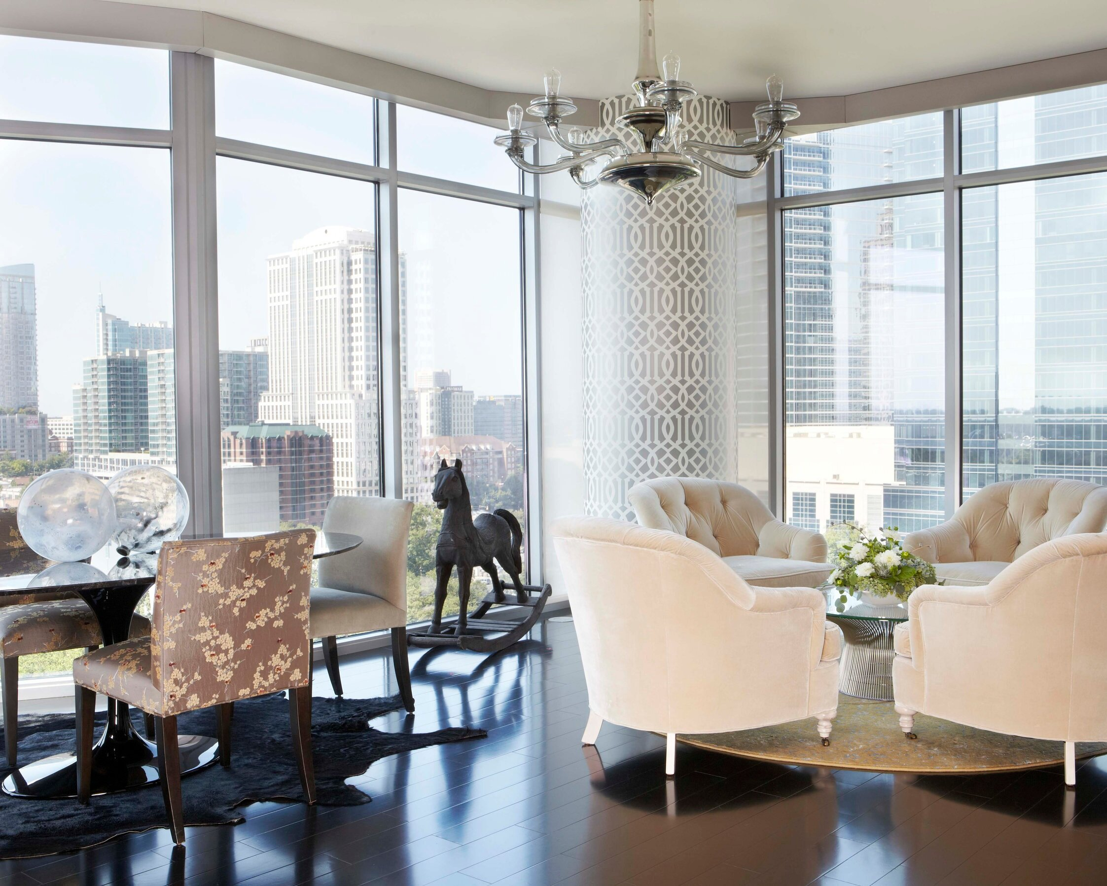 Luxe High-Rise -