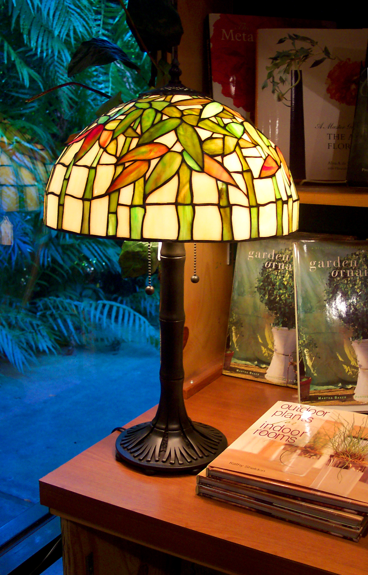 Antique-Lamp-157168768_1272x1986.jpeg