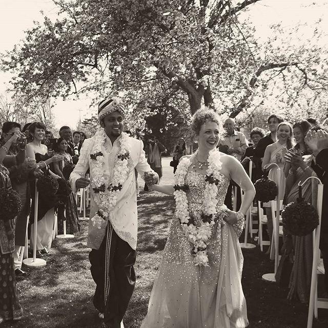 Happy five years to my goofball ❤️ 📷: @bizzybee_photography  #anniversary #weddinganniversary #bride #bridalstyle #brideandgroom #realwedding #wedding #weddingphotography #love #ido #thatsdarling #indianwedding #indian #weddinginspo #wesdinginspiration #goldenpoppyevents
