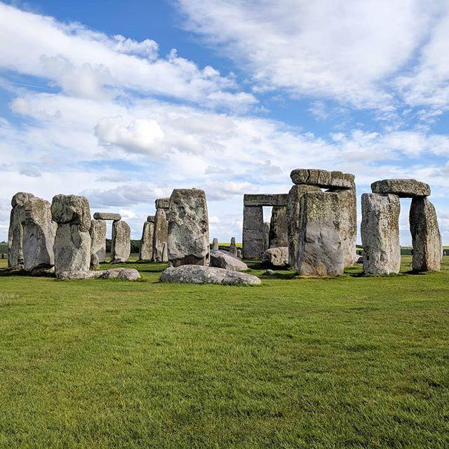 Wrapped up the long weekend with a stop by Stonehenge!  #stonehenge #worldheritage #traveltuesday #traveller #travelblogger #seetheworld #history #england #holiday #vacation #nationalgeographic #natgeo #beautiful #beautifulearth #destination #wanderlust #jetsetter #passportholder