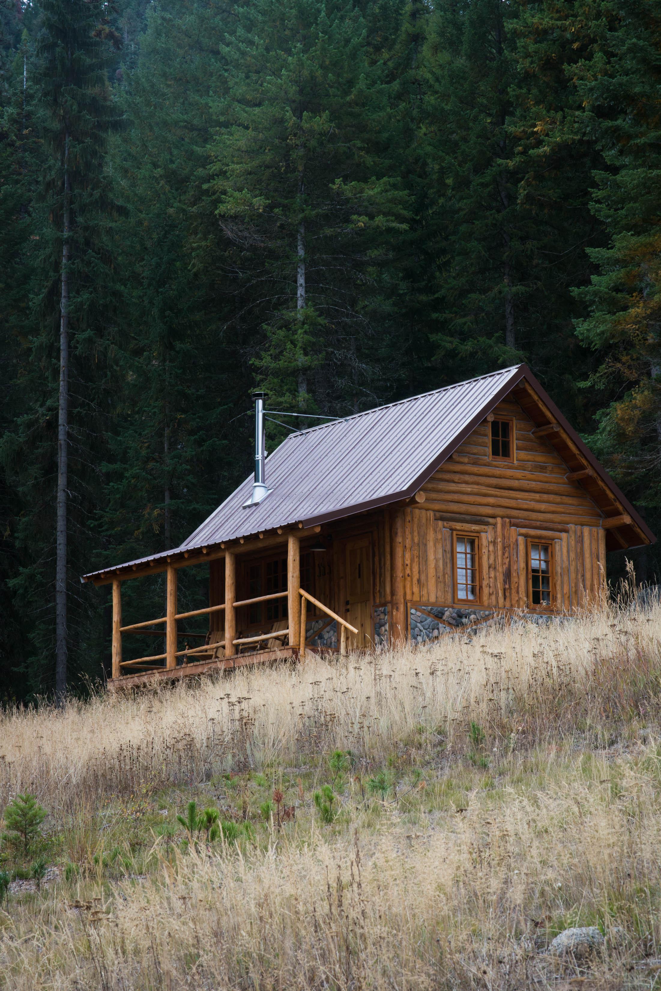 Minam_River_Lodge_Wallowa_Mountains_Eagle_Cap_Wilderness_Oregon_Autumn_2017_Please_Credit_Talia_Jean_Galvin-64.jpg