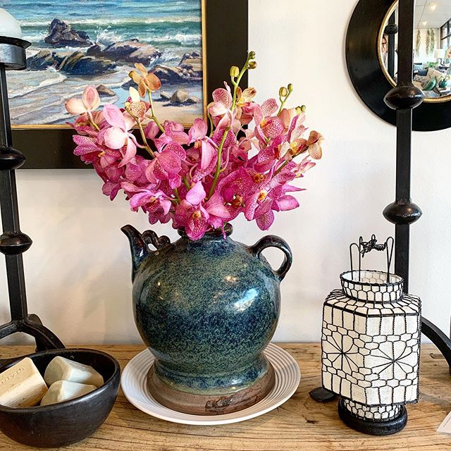 Stopped at the flower market this morning and picked up these divine orchids. Looking fabulous in this antique vessel I picked up in Singapore. #asianantiques #orchids #designstudio #homewaresbrisbane #porchlightinteriors