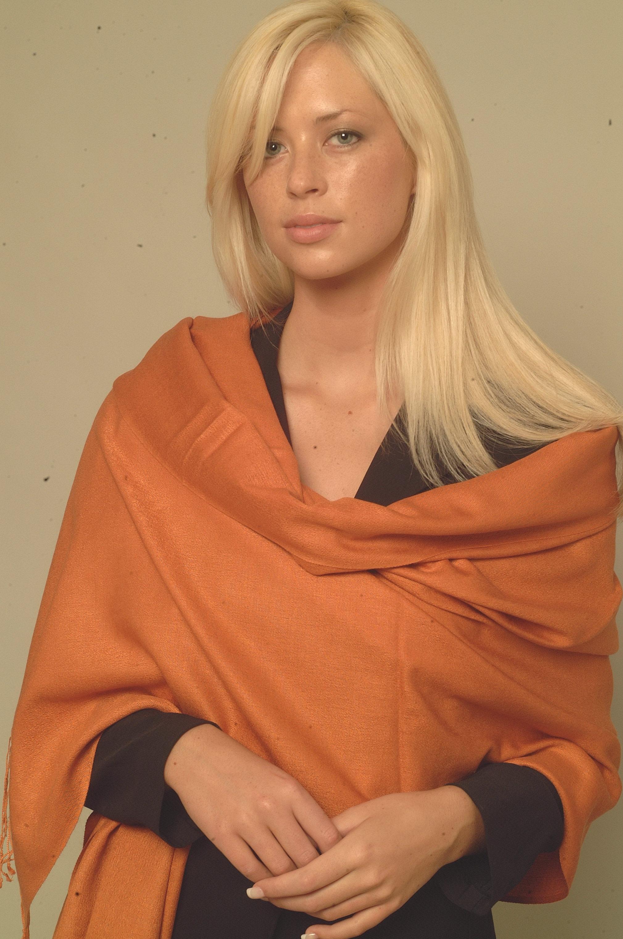 cashmere,cashmeres,pashmina,pashminas,pashima, shawl,shawls,scarf,scarves,scarfs,stole,stoles capes,shrug,shrugs,Ruana,Ruanas,silk scarf,embroidery shawl,embroidery scarf,embroidery scarves, burberry