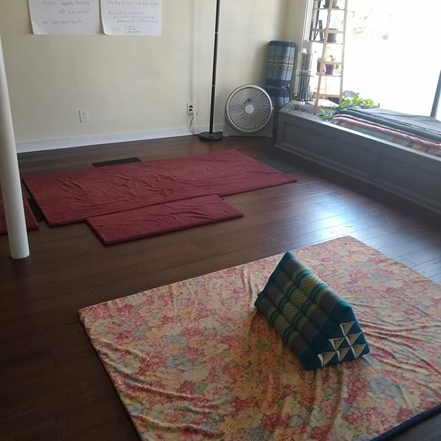 Receive the restorative benefits if Thai massage/Thai yoga massage. . . . #asseenincolumbus #trythai #yogamassage #614yoga #lazypersonyoga