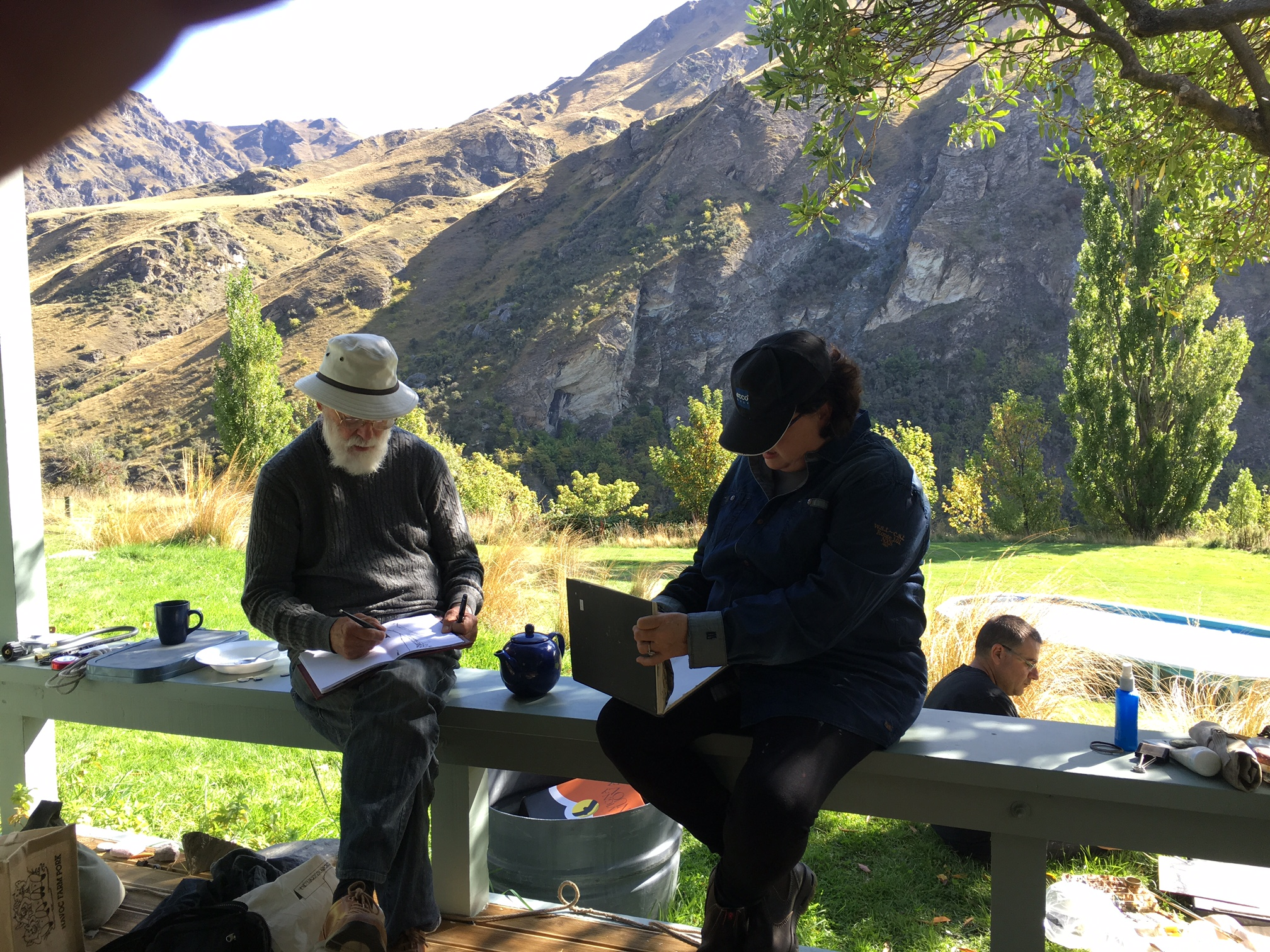 Kevin Connor and Amanda Penrose-Hart painting near Queenstown
