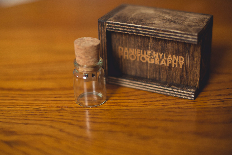 portrait-packaging-long-island-photographer-wooden-box-usb-0012