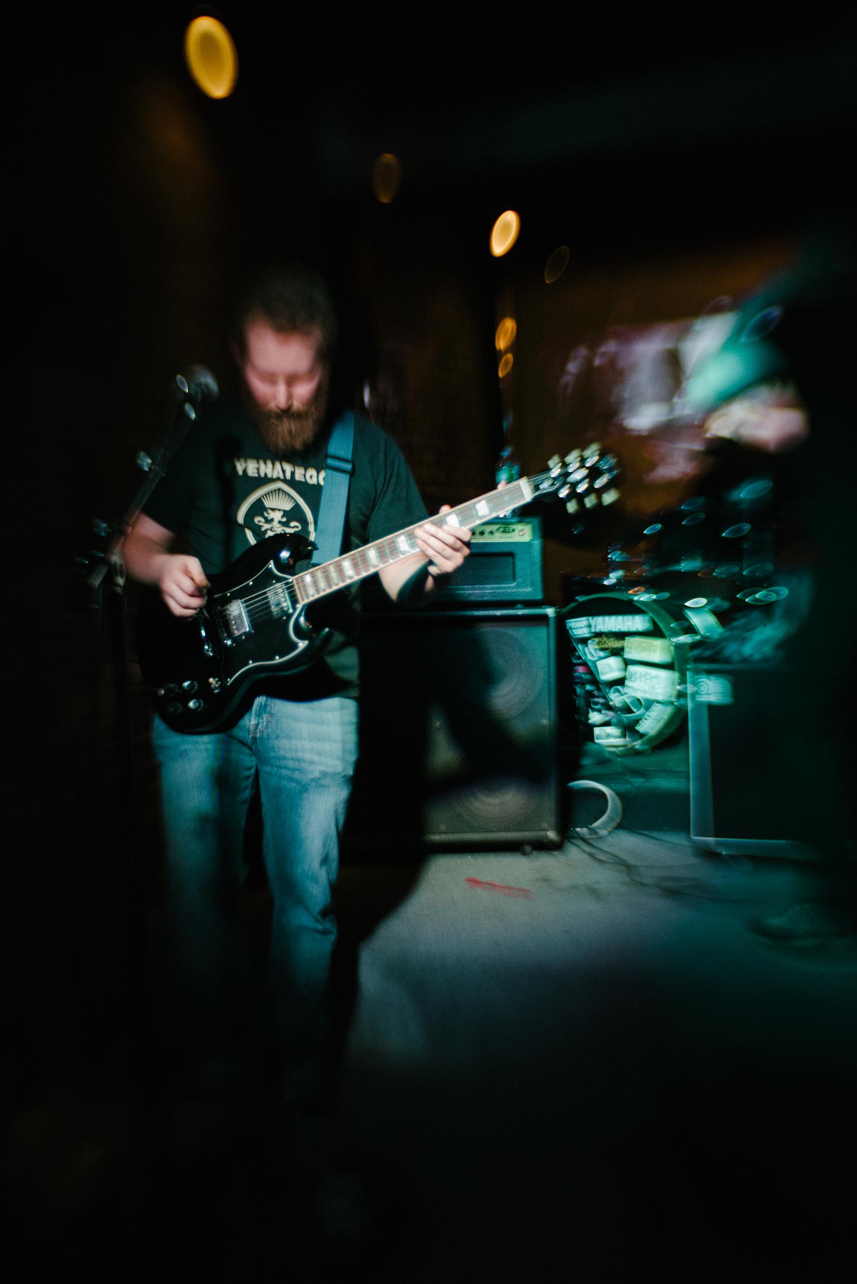 hail-eris-lensbaby-guitar-band-editorial-photography-nyc-leftfield.jpg