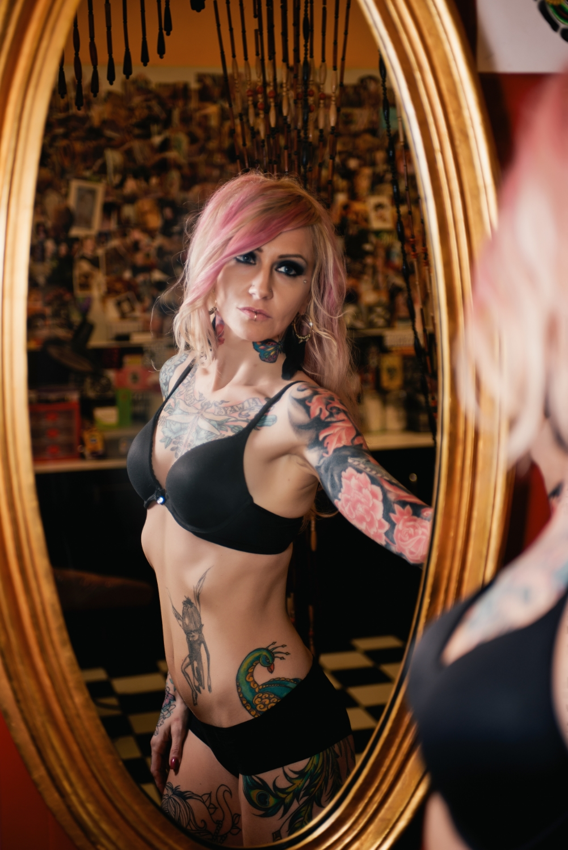 long-island-boudoir-portrait-photographer-natural-light-photography-digital-tattoo-model.jpg